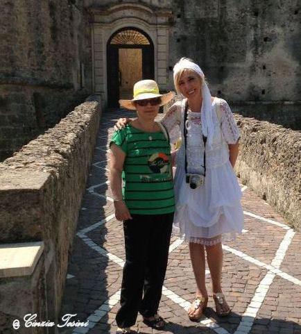 """Con Anna Russo Cutrone, autrice del libro """"Alto Crotenese Calabria"""
