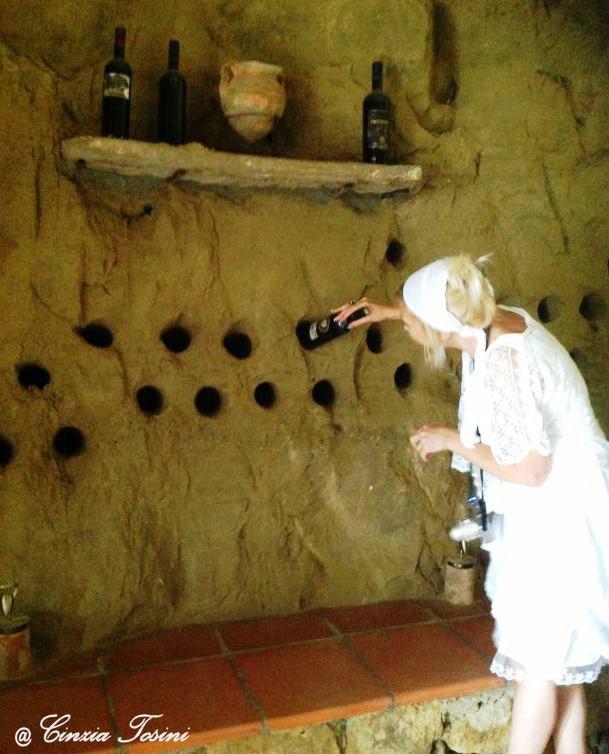 Interni della Grotta dei Sileni - Serra Grande